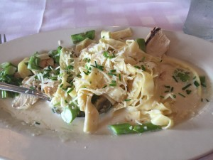 fettucine alfredo with chicken and asparagus
